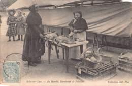 41 - LOIR ET CHER - SELLE SUR CHER - 10043 - Marché - Marchande De Volaille - Défaut - Selles Sur Cher