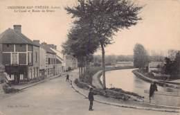 45 - LOIRET - OUZOUER SUR TREZEE - 10111 - Canal Et Route De Briare - Ouzouer Sur Loire
