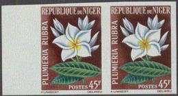 NIGER (1964) Plumeria Rubra. Imperforate Pair. Scott No 135, Yvert No 139. - Niger (1960-...)