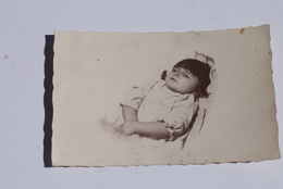 Foto Opgebaard Kind Enfant Mort 1930'/1940' Enterrement Begrafenis - Anonymous Persons
