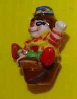 Fève  - P' Tits Clowns 2012 - Clown Dans Un Vase - Personajes