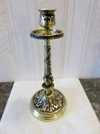 633 - Bougeoir Bronze Démontable Avec Disque - Décor Feuilles D'acanthes - Bronzes