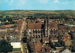Villeneuve Sur Yonne Notre Dame La Rue Carnot La Porte De Sens      CPM Ou CPSM - Villeneuve-sur-Yonne