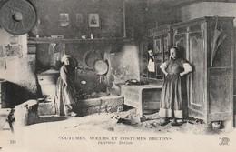 29 - COUTUMES, MOEURS ET COSTUMES BRETONS  Intérieur  Breton - People