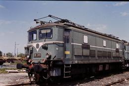 Photo Diapo Diapositive Slide Train Wagon Locomotive Electrique SNCF BB 349 à VSG Le 31 Juillet 1996 VOIR ZOOM - Diapositives
