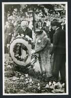 Bevrijdingsfeesten 1945 - Kranslegging , Amsterdam 28-6-1945  - See The 2 Scans For Condition.( Originalscan !! ) - Familles Royales