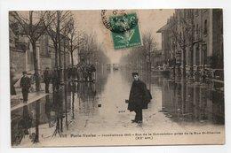 - CPA PARIS (75) - Inondations 1910 - Rue De La Convention Prise De La Rue St-Charles (belle Animation) - - Inondations De 1910