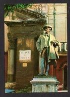 10.027-Z - ARLES ( 13 B-du-R ) Place Du Forum: La Statue De Frédéric Mistral ( Editions ESTEL ) - Arles