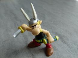 Figurine Astérix. Plus Grandes Dimensions 5,8 Cm X 5,8 Cm. D'après Goscinny Et Uderzo. Univers Obélix Idéfix Panoramix - Asterix & Obelix