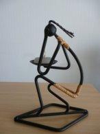Sculpture Filaire Métal Et Roseau - Jeune Fille Porteuse De Lumière - Ferro Battuto