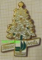 JOYEUX NOEL  TRUFFAUT SAPIN Avec Boules Et Guirlandes En Version ZAMAC BALLARD - Navidad