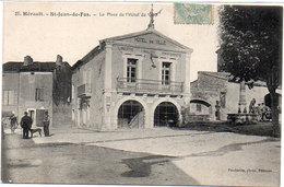 SAINT JEAN DE FOS - La Place De L' Hotel De Ville   (1409 ASO) - Autres Communes