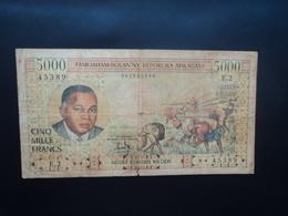MADAGASCAR * : 5000 FRANCS = 1000 ARIARY    ND 1966    P 60a      Qualité B - Madagascar