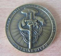 Médaille Uniface De L'Ecole Interarmées Des Sports De Fontainebleau (EIS) - Bronze - Dans Son Coffret - France