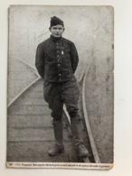 Ak Cp Caporal Bourgoin Decore Pour Avoir Drapeau Regiment - Guerre 1914-18