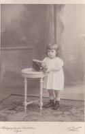 Photographie A Orcel Photographie Des Cordeliers Lyon Enfant Jouant Avec Une Voiture André Palliere 1910 Ref 200748 - Photos