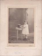 Photographie A Orcel Photographie Des Cordeliers Lyon Enfant Jouant Avec Une Voiture André Palliere 1910 Ref 200751 - Photos