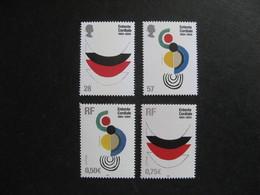 Emmissions Communes De 2004: TB Paires De Grande Bretagne N° 2546/7  Et De France N° 3657/8, Neufs XX. - France
