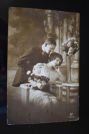 B741 Couple Gallant Love Romantic - Couples