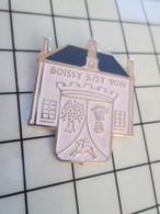 320 Pin's Pins / Beau Et Rare / THEME : VILLES / BOISSY S/ ST YON Par MAXIMAPRINT - Arthus Bertrand