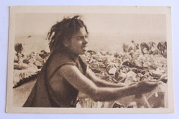 """Photographie Tirée Du Film """"images D'affrique - Le Berger à La Monoeuvre De La Corde - Postales"""