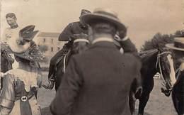 Sport.   Hippisme :      Auch  32   Vicomte  De  Rovey ??   Course Hippique  . Carte Photo  Narbonne       (voir Scan) - Horse Show