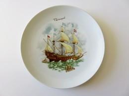 636 - Assiette Porcelaine Pillivuyt - Vaisseau 3 Mats Avec Canons - Paimpol - Porselein & Ceramiek