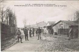 33 - Saint-Médard-en-Jalles (Gironde) - Entrée De La Route Du Camp De Souge Et Baraquements Près De La Poudrière - Otros Municipios