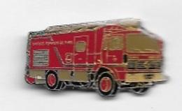 Pin's  Ville, Sapeurs  Pompiers  De  PARIS  Camion  RENAULT  Rouge - Firemen