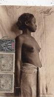 MADAGASCAR JEUNE FILLE BARA SEINS NUS - Afrique Du Sud, Est, Ouest
