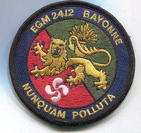 X451 PATCH ECUSSON GENDARMERIE VELCRO NOIR EGM 24.2 BAYONNE - Police