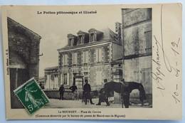 C. P. A. : 79 LE BOURDET : Place Du Centre, Cheval, Animé, Timbre En 1912 - Mauze Sur Le Mignon