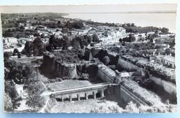Carte Postale : 33 BLAYE : La Citadelle, Timbre En 1960 - Blaye