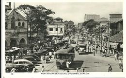 REAL PHOTOGRAPHIC POSTCARD - PETTAH STREET SCENE - COLOMBO - CEYLON - CARS - LORRIES - TROLLEY BUS - Sri Lanka (Ceylon)