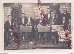 Au Plus Rapide Marseille Les Salons Colbert Musique Orchestre Jazz 28 Janvier 1933 - Personnes Identifiées