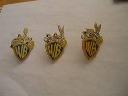 3 Pin's Différents Des Personnages Dessin Animé Warner Bros Titi Gros Minet Bugs Bunny......... - Cinéma