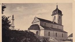 Montrond L'église Et Monument Aux Morts - France