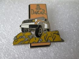 PIN'S     RALLYE  PARIS DAKAR  TOYOTA LAND CRUISER  Zamak   STARPIN'S - Rallye