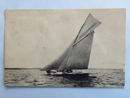 C. P. A.  : 33 ARCACHON : Voilier Sur Le Bassin, Timbre En 1910 - Arcachon