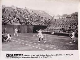 Photo Paris Presse Tennis Roland Garros 1936 ? Bernard-Bolelli Battent Nielsen-Bjierre En Double - Sports