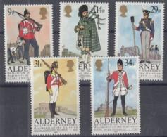 ALDERNEY 23-27, Postfrisch **, Historische Uniformen 1985 - Alderney