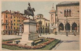 UDINE - PIAZZA E MONUMENTO A VITTORIO EMANUELE II........S55 - Udine