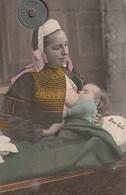 29 - Carte Postale Ancienne De  PONT L'ABBE   Endormant Son Enfant   ( Allaitement D'un Bébé ) - Bekende Personen