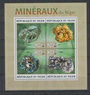 V376. Niger - MNH - 2013 - Nature - Minerals - Vegetales