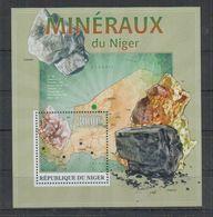 V376. Niger - MNH - 2013 - Nature - Minerals - Bl - Vegetales