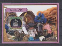 W773. Guine-Bissau - MNH - 2016 - Nature - Minerals - Bl - Vegetales