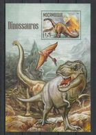 Y772. Mozambique - MNH - 2016 - Nature - Fauna - Prehistoric - Dinosaurs - Bl - Vegetales