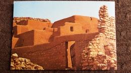 CPSM MAURITANIE OUALATA  ED DELROISSE 1978 HABITATION TERRE PIERRE - Mauritania
