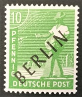 "1948 Abart IX ( Unterer Bogen Des ,,B"" Ausgebrochen )  Kontrollratsausgabe Mit Auffdruck BERLIN Mi.4 IX**) - Ongebruikt"