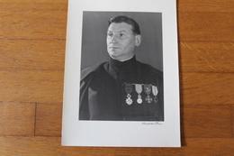 Photographie Militaire   L'aumônier Militaire Avec Ses Décorations Ancien De 1914 1918 Identifié - Guerra, Militares